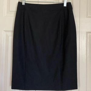 Black Banana Republic pencil skirt. New with tags